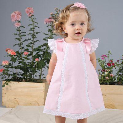 look-vestido-de-niña-rosado